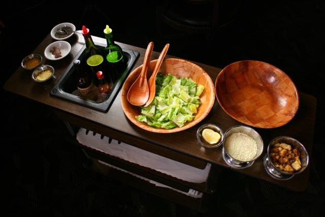 caesar-salad-cart