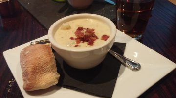 a-cup-of-chowder-at-the-sedona-taphouse