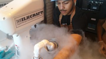 Liquid nitrogen makes a magical mist